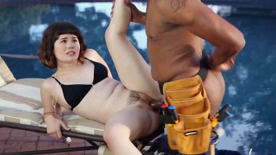 Milky white Yhivi fits monster bbc in her pussy & swallows nut poolside