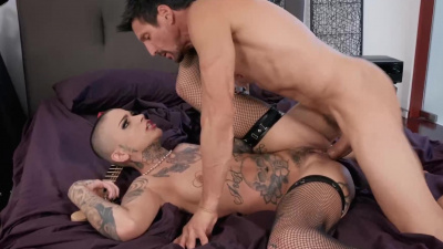 Short hair babe Leigh Raven tries then fucks neighbor's hard cock
