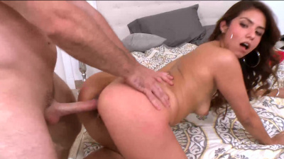 Hot colombian chick Isabella de Santos cheats on her boyfriend with a stranger