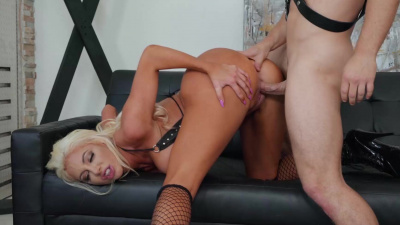 Dominatrix Nicolette Shea sexual deviancy with her slave