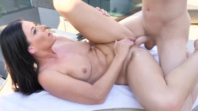 India Summer seducing her son's friend