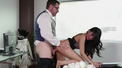 Asian mistress Ember Snow pays a visit to her lover at work