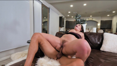 Thick lady Gia Page wants fat dick in her meaty cunt