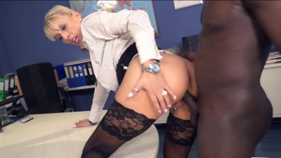 Mature secretary Lana Vegas wants bbc in her experienced cunt and mouth