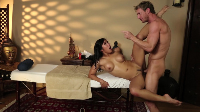 Sexy asian Mia Li spreads her legs for a dirty masseur