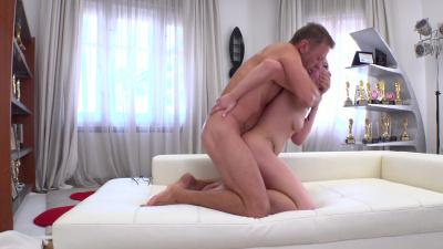 First timer Valentina R getting destroyed by porn legend