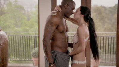 Sultry stunner Cyrstal Rae first interracial scene