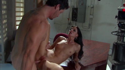 Charming India Summer takes creamy facial