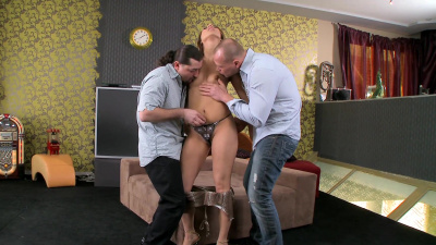 Horny bitch Hoanna Sweet wants her wet pussy and gaping asshole fucked at the same time