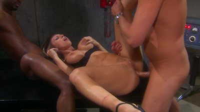 Stacked babe Tee Reel interracial dp