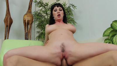 Busty stepmom Rayveness slobbers all voer her stepson's dick