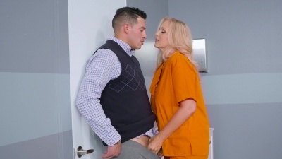 Milf Julia Ann gets the pussy pounding she craves in prison