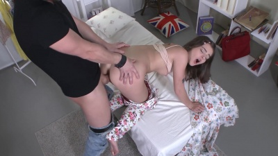 Teen Lizi Vogue takes it in the ass on the first date