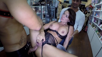 Franceska Jaimes squirts all over after getting her asshole drilled in a sex shop